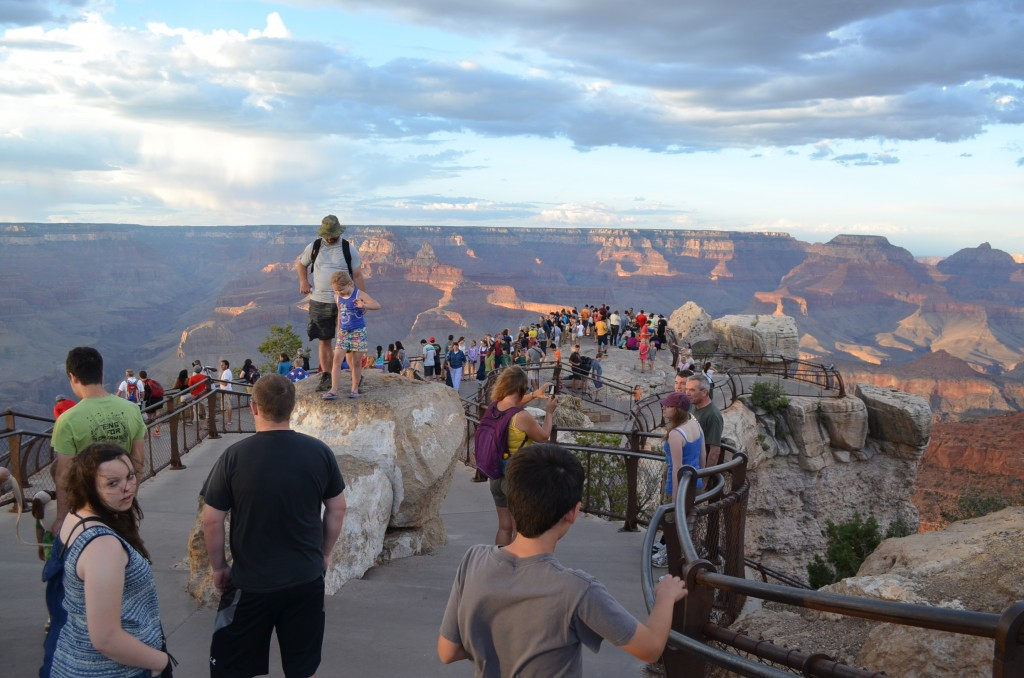 This is how Mather Point looks on any good-weather day at sunset. You have to fight for an unobstructed view.